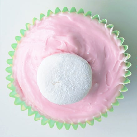Fluffy bunny tail cupcakes
