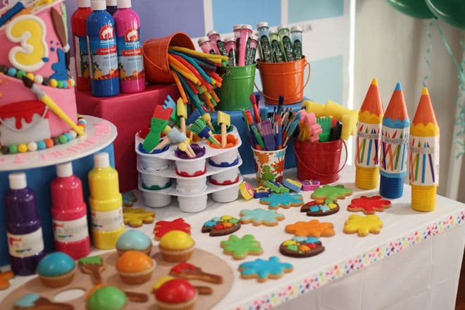 art party cake table