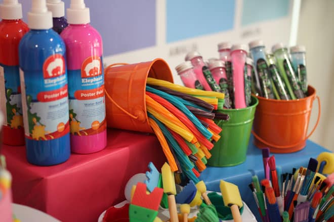 art party supplies table