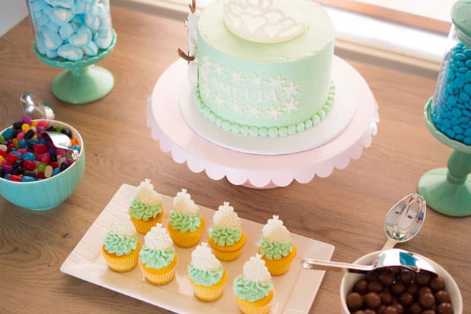 frozen themed cake table