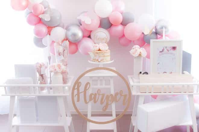 gorgeous balloon garland 2nd birthday
